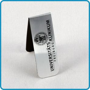 """Magnet-Lesezeichen mit Aluminiumoberfläche """"Stiftung"""""""